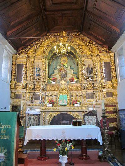 Altar-mor da igreja matriz de Couto de Baixo