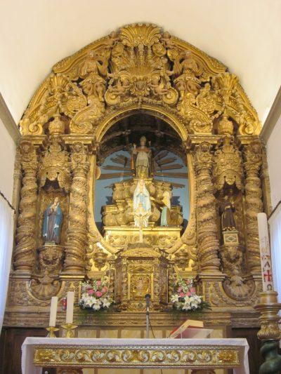 Altar-mor da igreja matriz de Couto de Cima